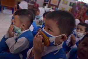 Cara Menumbuhkan Empati pada Anak agar Menjadi Pribadi yang Peduli Sesama